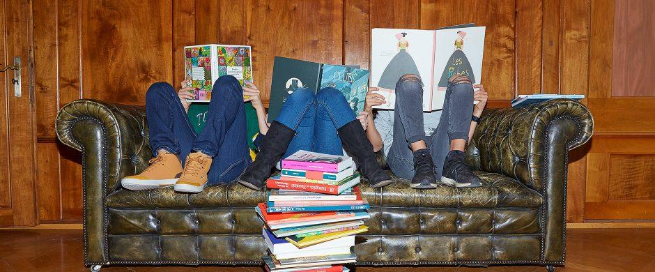 Lesende Kinder © Zsigmond Toth