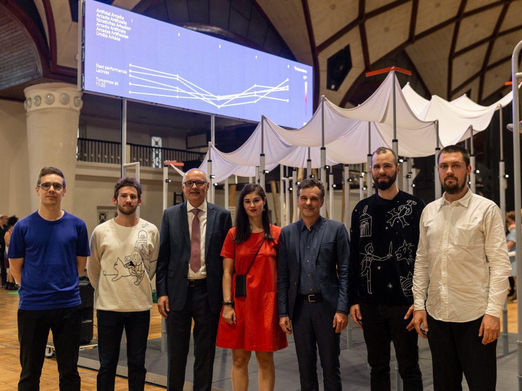 Fragmentin & KOSMOS Architects mit Philippe Bischof und Dominik Furgler, Schweizer Botschafter in Prag