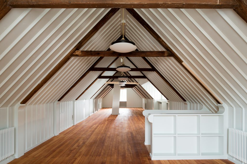 Refurbished attic in the Haus zum Lindengarten